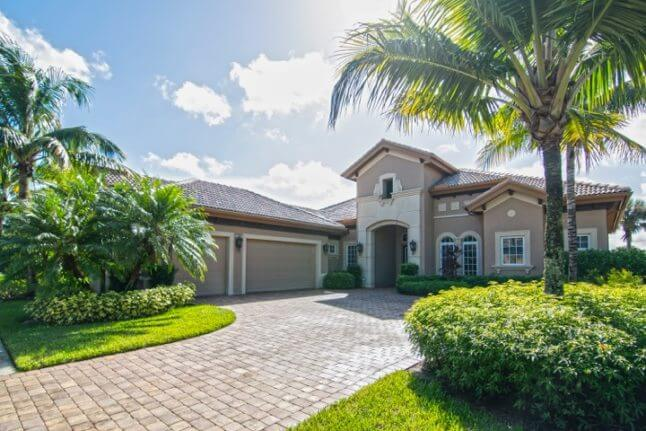 ESTATE SIZE FAMILY home in lely resort / 3 bdr, 3 baths, sleeps 8
