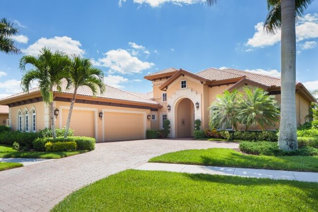 Naples Shell Majors III at Lely Resort // 3 BDR and GUEST ROOM, 3 baths // Private Pool and Spa // Lake and Golf course view // Max to 8